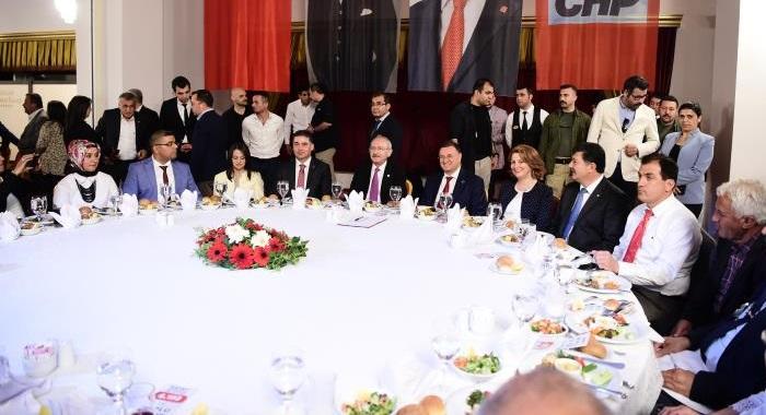 CHP GENEL BAŞKANI KEMAL KILIÇDAROĞLU, HATAY'DA MUHTARLARLA BİR ARAYA GELDİ