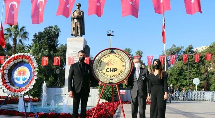 ADANALILAR CHP'NİN ETKİNLİĞİYLE ATATÜRK'Ü ANDI