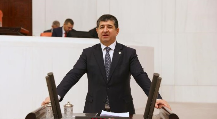 "CAVİT  ARI: ""FİNİKE'YE MÜJDE"""