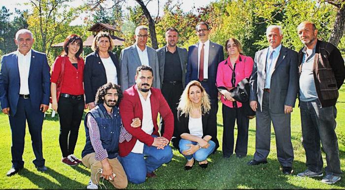 Cumhuriyet Halk Partisi Elazığ İl Başkanı Zeki KAPLAN Parti Yöneticilerinden Oluşan Bir Heyetle Karakoçan'a ziyaret gerçekleştirdi.