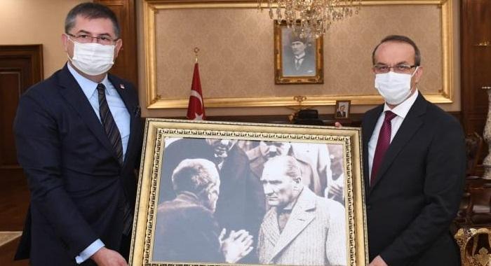 CHP Kocaeli, Vali Seddar Yavuz'u ziyaret etti