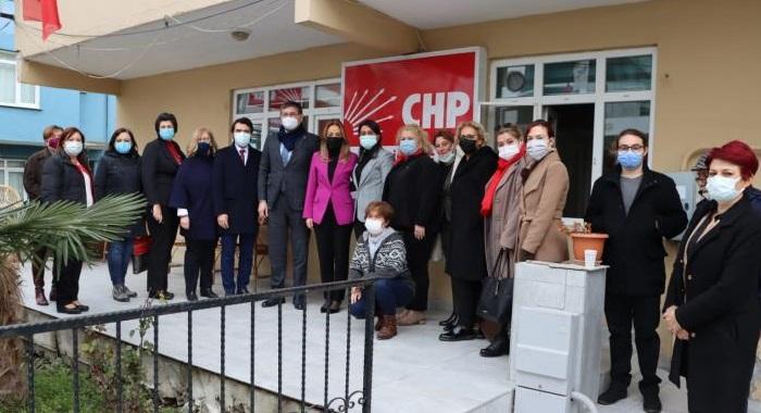 Nazlıaka, CHP Başiskele'nin KAÇOD kermesine destek verdi