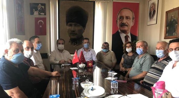 CHP Tokat İl Başkanı Çağdaş KURTGÖZ, CHP Zile İlçe Başkanlığı'nda toplantı gerçekleştirdi.