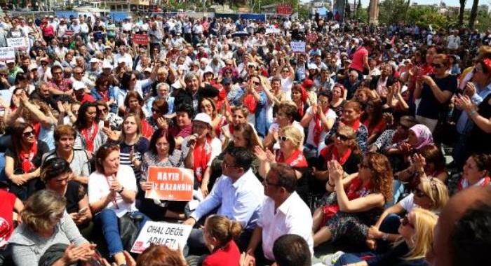 """81 İLDEN GELEN KADIN ÖRGÜTLERİMİZLE ANTALYA'DA """"OHAL DEĞİL DEMOKRASİ İSTİYORUZ"""" DİYE HAYKIRDIK!"""