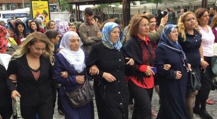 Barışın ve kardeşliğin diyarı Diyarbakır'dan 'İktidar Yürüyüşümüzü' kadınlarla başlattık...