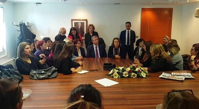 Ankara Büyükşehir Belediye Başkan Adayımız Sn. Mansur Yavaş'ı Kadın Örgütümüz, Kadın Kolları İl-ilçe Başkanlarımız ile ziyaret ettik. Sosyal belediyeciliği ve Kadınların huzur içinde yaşayacağı projeler hakkında bilgi aldık. Biz inandık başaracağız!! #MartınSonuBahar  #AnkarayaBaharGelecek #TürkiyeyeBaharGelecek