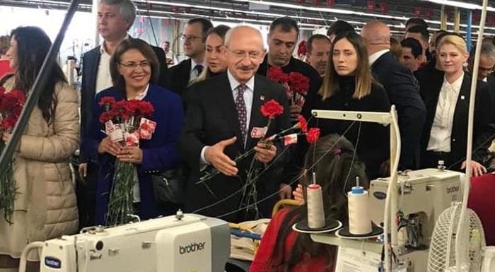 Cumhuriyet Halk Partisi Genel Başkanımız Sn. Kemal Kılıçdaroğlu ve Kadın Kolları Genel Başkanımız Sn.Fatma Köse 8 Mart Dünya Emekçi Kadınlar Gününde, Edirne'de bir tekstil fabrikasını ziyaret ettiler. Emekçi kadınlarımızla öğle yemeğini birlikte yediler.