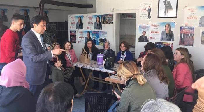 Aksaray'dayız. Biz başaracağız. Kadınlarla birlikte emeğimizin karşılığında #MartınSonuBahar olacak.