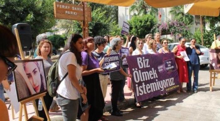 """Evrensel'de Yer Alan Haberimiz: """"Kadınlar, Antep ve Mersin'de """"Feray Şahin için adalet"""" diyerek bir araya geldi"""""""
