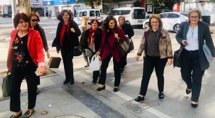 Gün birlikte mücadele etme, birlikte yol yürüme günüdür... Teşekkürler Sakarya Kadın Örgütümüz...