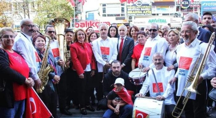 İçimizde asla sönmeyecek olan cumhuriyet coşkusu, başkent Ankara'mızda tüm gün sürecek olan kutlamalarla devam ediyor.