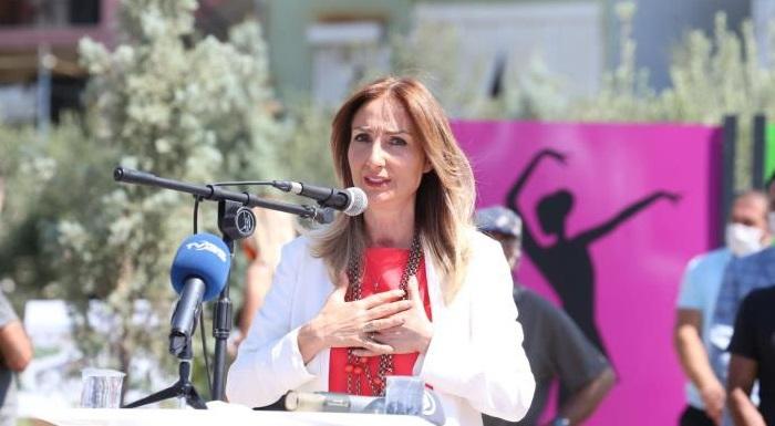 CHP Kadın Kolları Genel Başkanı Aylin Nazlıaka'nın katılımıyla açılışını gerçekleştirdiğimiz parklarımızda Ceren Özdemir, Habibe ile Fatma Kardeşlerin isimleri İzmir / Çiğli'de sonsuza dek yaşayacak.