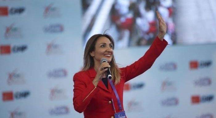 AKP'yi İktidara Kadınlar Getirdi, İlk Seçimlerde İktidardan Yine Kadınlar İndirecek!