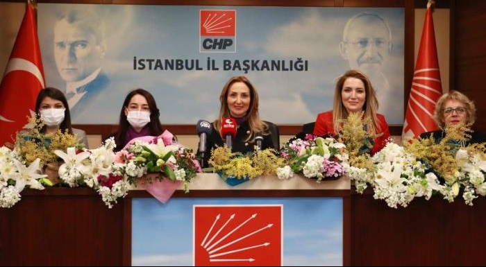 Eşitliğin ve adaletin yılmaz savunucusu olan sevgili kız kardeşlerimiz, 8 Mart Dünya Emekçi Kadınlar Günümüz kutlu olsun.