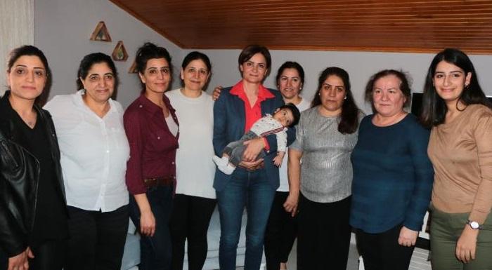 CHP'li Kaftancıoğlu, 8 Mart Dünya Emekçi Kadınlar Günü'nde ev işçisi kadınlarla buluştu