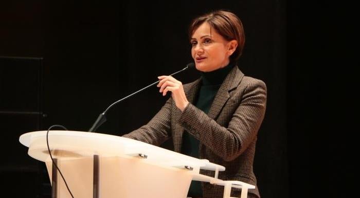 Kaftancıoğlu, 14 Mayıs Eczacılar Günü'nü kutladı.