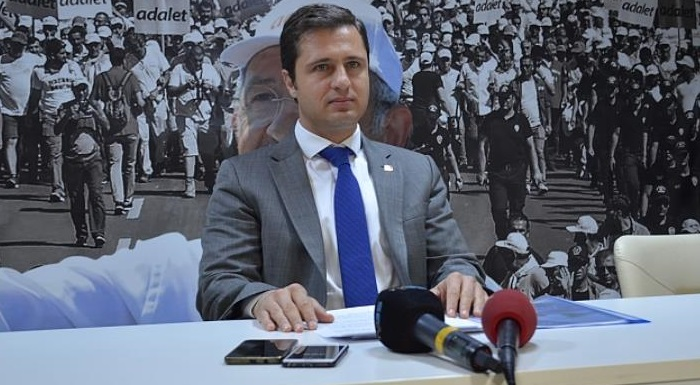 """CHP İL BAŞKANI YÜCEL'DEN AKP'YE ZEHİR ZEMBEREK CEVAP - """"MAĞDURİYET EDEBİYATIYLA GELEN AKP YİNE MAĞDURLARI OYNUYOR"""""""