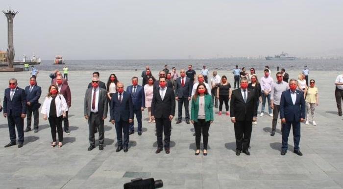 CHP İZMİR'DEN ATASININ HUZURUNDA 19 MAYIS KUTLAMASI