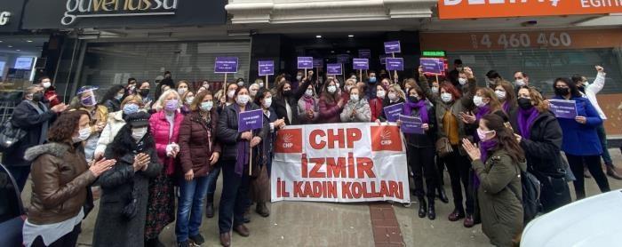 İstanbul Sözleşmesi Kalacak Siz Gideceksiniz - CHP İzmir'in Kadınlarından İstanbul Sözleşmesi Çıkışı