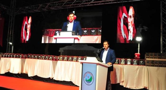 CHP İzmir İl Başkanı Yücel Atatürk'e Yapılan Hakaretlerin Peşini Bırakmıyor - Ayasofya'da Yapılan Hakaretlere Suç Duyurusu
