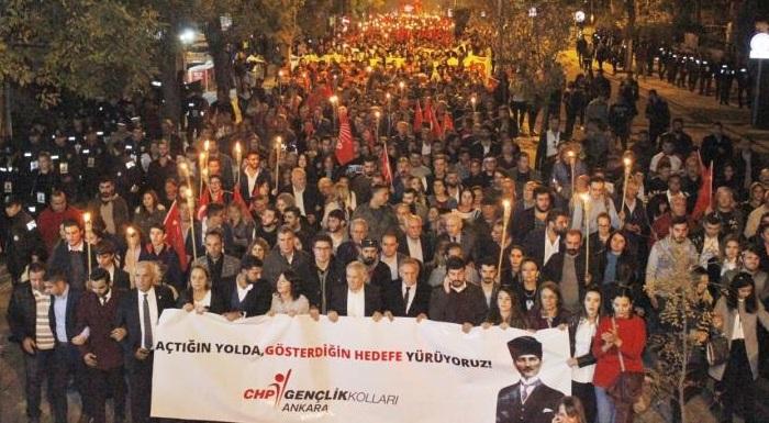 10 Kasım'da Binlerce Yurttaşımızla Birlikte ATA'mıza Yürüdük