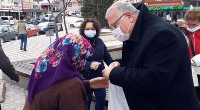 Ankara'da halka Çanakkale Savaşı menüsü dağıtımı yaptı