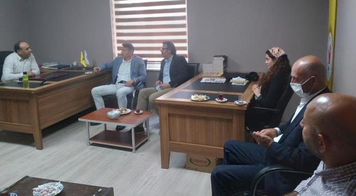 ... Siyasi parti ziyaretlerimiz sürüyor,  HDP Ilçe başkanlığını ziyaretimiz, sohbet ve ağırlamalarindan dolayı tessekkür ederiz...